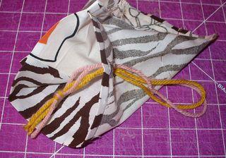 Gift bag diy insert yarn
