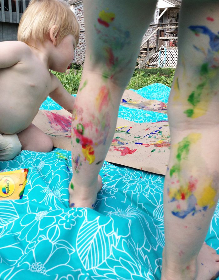 Kids body painting fingerpaints