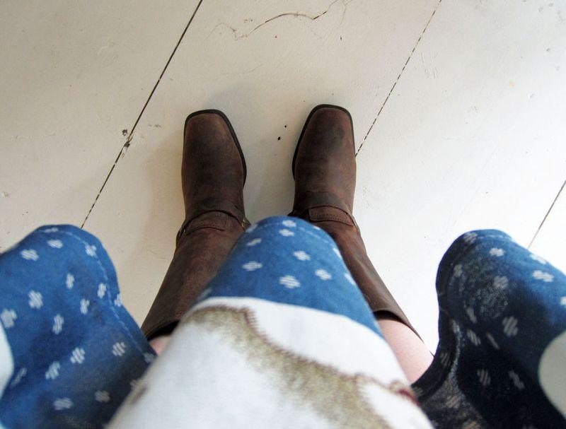 Vintage hippie dress engineer boots anthropologie belt 1