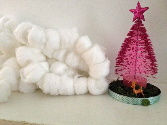 Christmas tree holiday garland snowballs snow 3