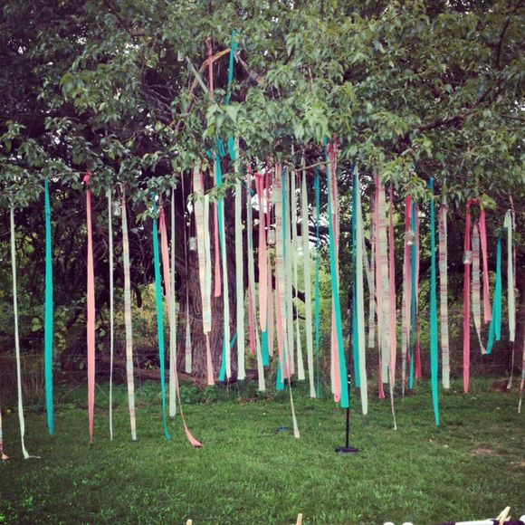 Outdoor Wedding Reception Ideas For Summer: Decorating. A Pretty Outdoor Wedding.