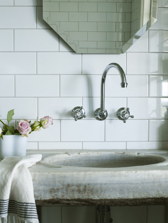 Bathroom white tile 3