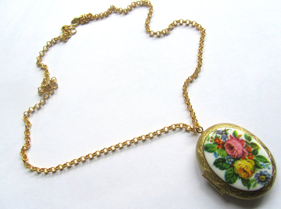Madison honey vintage floral locket necklace